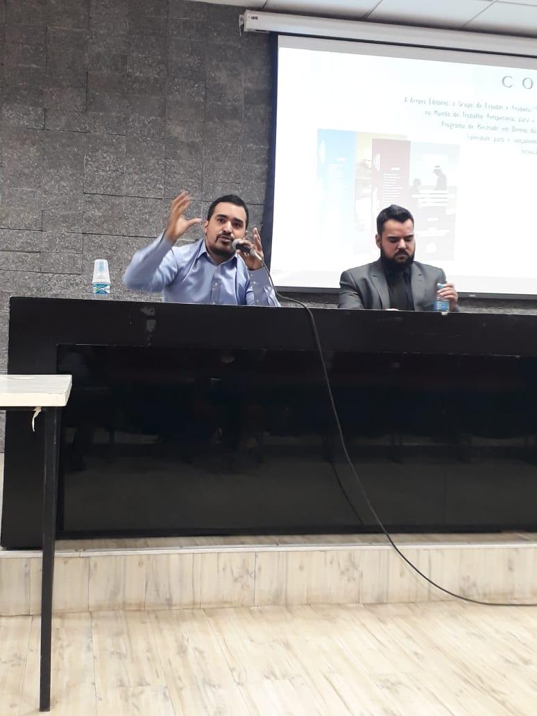 palestra no lançamento do livro, realizada na Universidade Federal de Uberlândia (UFU)